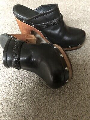 UGG Kaylee Black Leather Wooden Sole Clogs Mules • 25£