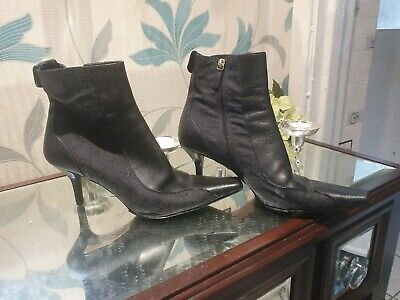 Ladies Gucci Boots Size 39  • 58£