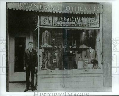 $ CDN24.25 • Buy 1993 Press Photo Barney Pressman In Front Of The Original Store-1923-New York