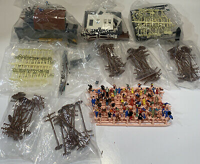 $133.33 • Buy PLASTICVILLE VTG NEW, Telephone Poles, Signs, People, Buildings 0 Scale RARE Lot