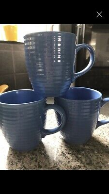 Rayware Blue Ribbed Cups. • 5£