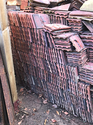 Reclaimed Roof Tiles.Rosemary's,  Includes Ridge's, Bonnets,and Valley Tiles.    • 1.04£