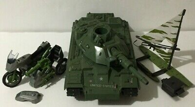 $ CDN80 • Buy Gi Joe Vintage 3 Vehicle Lot Manta, Silver Streak,  Mobat Hasbro