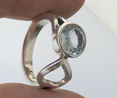Solid Silver 925 Blue Topaz Ring Size N1/2 • 12.90£