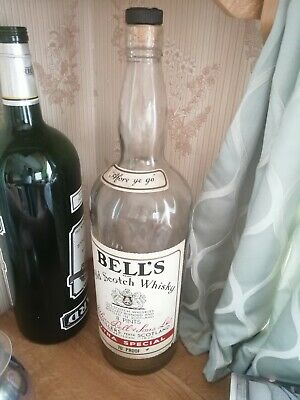 Vintage Bell's Old Scotch Whisky Bottle 8 Pint • 25£