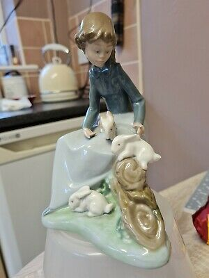Lladro Nao  Young Girl With Rabbits  Dated 1987 Girl With Bunnies VGC • 4.70£