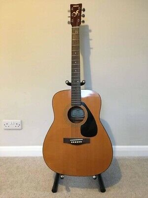 Yamaha Guitar Acoustic FG 402 With Stand  • 200£