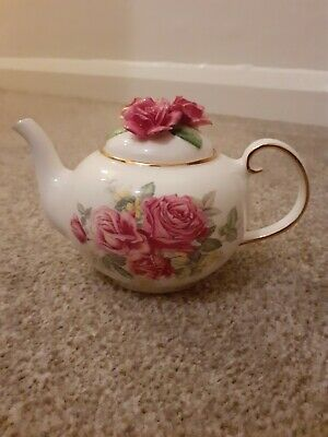 Royale Stratford Old Garden Roses Teapot  The Country Cottage Teapot Collection • 29£