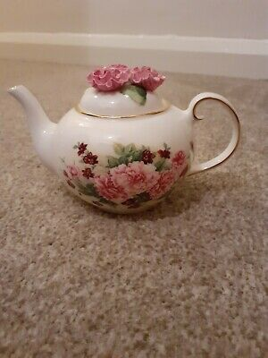 Royale Stratford Lidded Teapot Old Fashioned Pinks Country Cottage Collection  • 27£