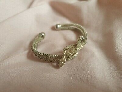 Lovers Knot Bracelet • 5£