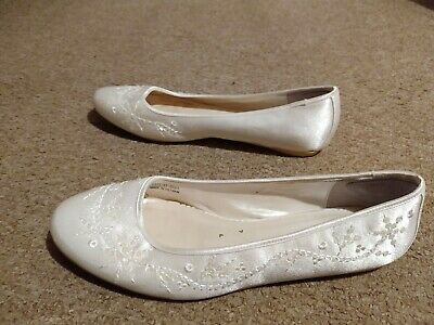 Ivory Size 8 Flat Shoes With Diamantes Ideal For Wedding Or Bridesmaid • 0.99£