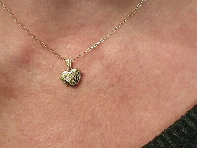 9ct Gold Locket And 16  Chain • 47.50£