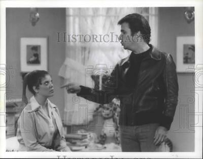$19.99 • Buy 1979 Press Photo Henry Winkler & Erin Moran In  Happy Days  - Mjp25906