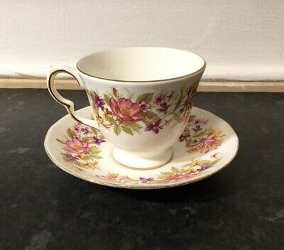 £8.95 • Buy Vintage Colclough Wayside Pattern ( # 8581 ) Tea Cup And Saucer