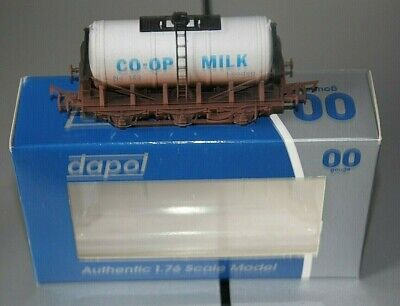 Dapol OO 6 Wheeled CO-OP  Milk Tanker (Weathered) 4F-031-022 • 5.20£