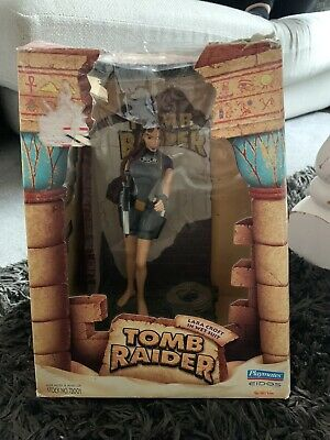 1998 TOMB RAIDER  LARA CROFT IN WET SUIT  Collector Figure By PLAYMATES - S46 • 15£