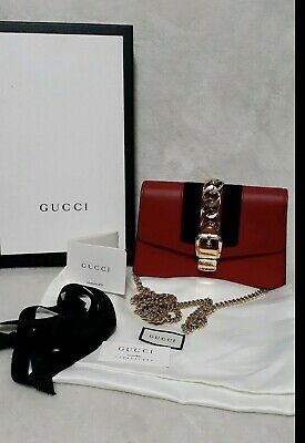 AU1199 • Buy PRE ORDER NOW Authentic Gucci Sylvie Super Mini Bag RRP$1495