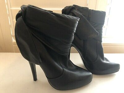 Ladies Used Black Leather Ankle Boots Size 4 • 4.30£