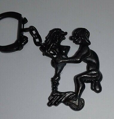 Vintage Keyring - Erotic Couple Moving Parts All Metal  • 4.99£