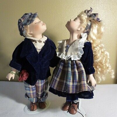 $ CDN16.40 • Buy VICTORIAN BEAUTY KISSING PORCELAIN DOLLS, 14   W Stands - Gently Loved - EUC