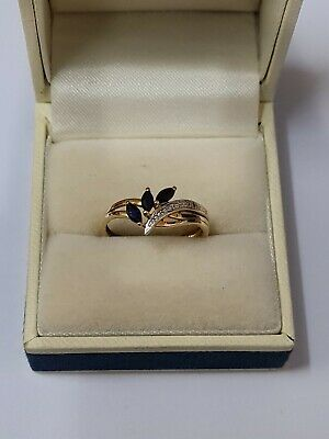 9ct Yellow Gold Sapphires And Diamonds Ring  • 77£