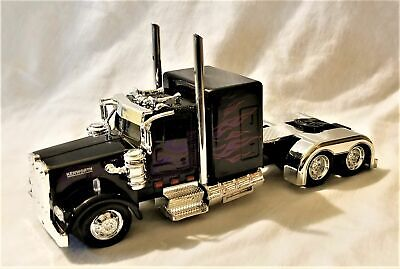 $ CDN24.19 • Buy New Ray -  1:43 Scale Kenworth W900 Custom Truck Cab Black (BBNR15241BK)