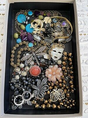$ CDN69.43 • Buy Vintage Jewelry Lot 16 Ps Brooches Necklaces Earrings Ring Bracelet Multi Set