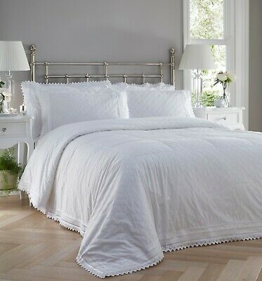 Broderie Anglaise Quilted Bedspread & Shams In White 254cm X 254cm  • 114.99£