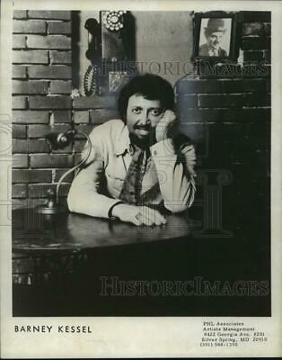 $ CDN24.25 • Buy 1976 Press Photo Barney Kessel, Jazz Guitarist - Mjp03541