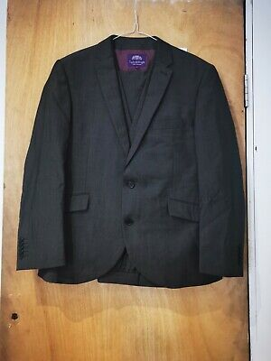 £25 • Buy Taylor & Wright 3 Piece Suit