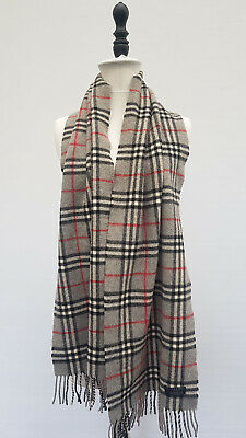 Burberry Grey Lambswool Nova Check Scarf • 10£