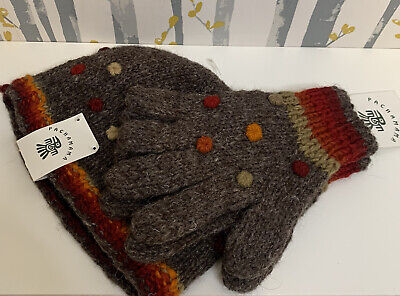 PACHAMAMA • Grey Knitted Fleece Lined Hat & Grey Knitted Gloves • One Size • NEW • 25£