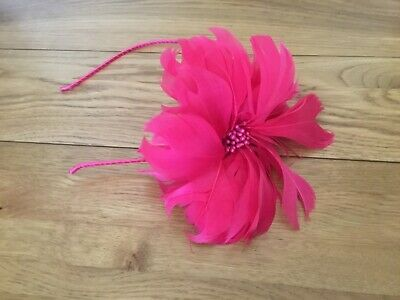 Fuchsia Pink Flower Special Occasion Feather  Fascinator • 5£