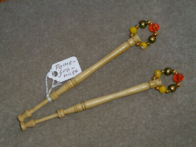 Lacemaking Lace Bobbins Pair Pomegranate Apple Wood • 4.75£