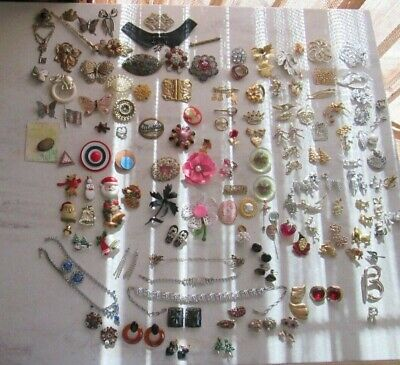 $ CDN94.66 • Buy Vintage Jewelry LOT 153 Pin Brooches' + Holiday Necklaces ++ Large LOT Designer