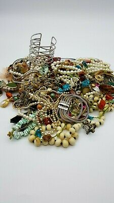 $ CDN25.11 • Buy VINTAGE TO NOW ASSORTED JEWELRY LOT~ ALL WEARABLE~ 3lbs. +