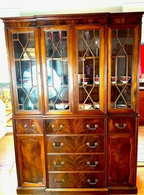 $3000 • Buy Gorgeous Mahogany Display Cabinet In Pristine Condition 6 Drawers 3 Shelves