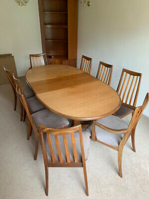 G Plan Extendable Dining Table And Chairs • 79£