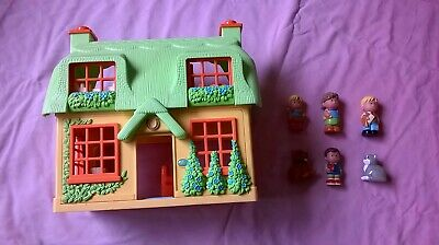 £14.99 • Buy ELC HappyLand Rose Cottage Dolls House With 6 Characters - Sounds & Lights