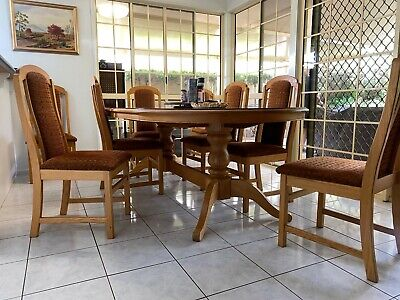 AU250 • Buy Solid Oak 8-seater Dining Table And Chairs Beautiful, Contemporary.