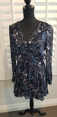AU10 • Buy Forever New Dress Size 10. As New Worn Once