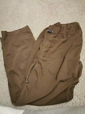 Berghaus Odyssey Olive Green Walking/hiking Trousers Size 36L • 9.99£