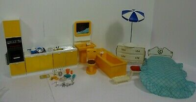 £9.49 • Buy Vintage Sindy Furniture Bedroom/Kitchen And Bathroom + Some Accessories F6