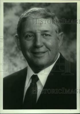 $ CDN16.35 • Buy Press Photo Barney Wachtel, President And CEO, Russell Athletic - Abns08353