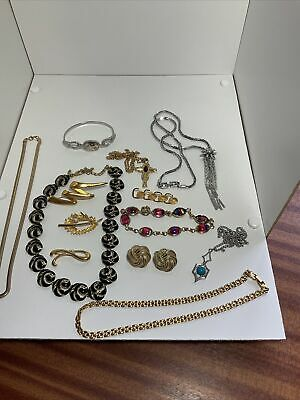 £45 • Buy Collection Vintage Jewellery ALL SIGNED TRIFARI, SARAH COV,JBK,FONTAINE,NAPIER
