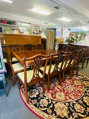 $11000 • Buy Henredon Regency Mahogany Dining Table And 10 Chairs - Table Pad And 3 Leaves
