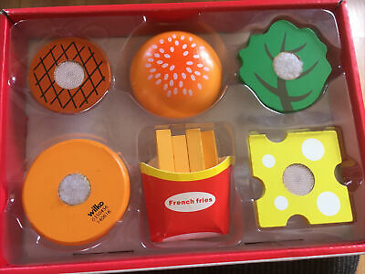 £1.99 • Buy WOODEN FAST FOOD SET - 5 Cheeseburger Pieces And A Carton Of Fries 🍟 🍔 (Wilko)