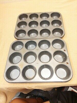 £14.54 • Buy 2 X Ekco Cup Cake Muffin Tin Pans.  Made In USA Pan. Each Pan Has 12 Muffins.