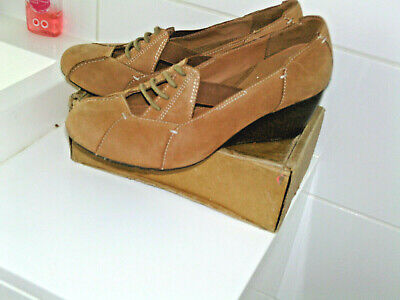 £5.50 • Buy CLARKS Active Air Tan Wedged    2.5 Court Shoe Sz Uk 5.6 D General Wear/Good Con