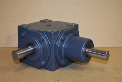 $775 • Buy Bevel Gear Drive, Right Angle, Metric, 1:1, Up To 28hp, 165M, Hub City